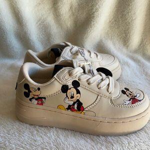 NWT Zara x Mickey Mouse sneakers off white